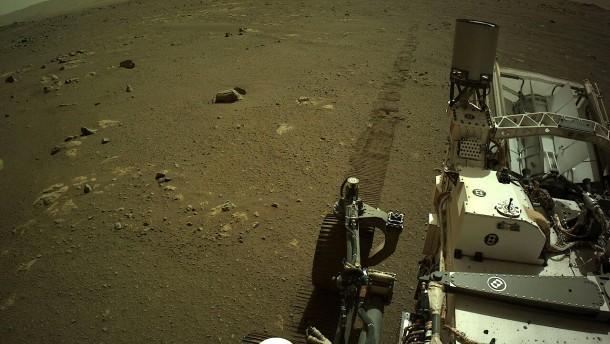 """""""Perseverance"""" schickt erstmals Audio-Aufnahme von Mars-Fahrt"""