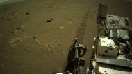 """Mars-Rover """"Perseverance"""" schickt erstmals Audio-Aufnahme von Mars-Fahrt"""