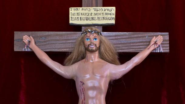 Ken am Kreuz