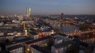 Beliebte Metropole: Frankfurt ist bei Touristen gefragt, hier der Blick Richtung Ostend.
