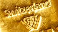 Ein Goldbarren aus der Schweiz.
