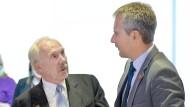 Kontrahenten: Der scheidende Notenbankchef Ewald Nowotny (links) und der Finanzminister Hartwig Löger.