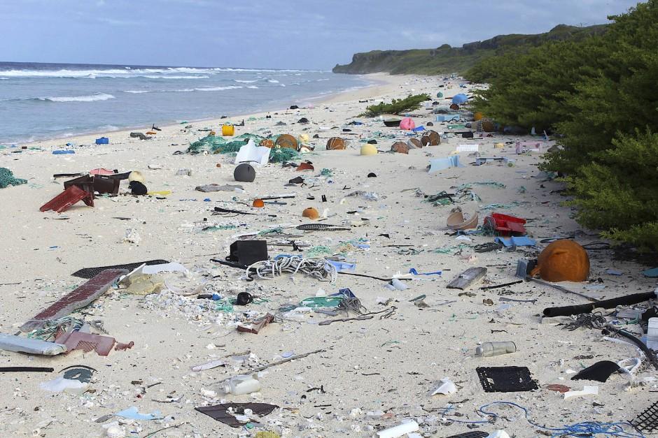 Plastikmüll auf der Insel Henderson im Pazifik.