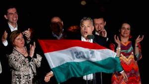 Viktor Orbán fegt die Medienszene durch