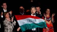 Er bringt ein Land auf Linie: Viktor Orbán nach der Verkündung des Wahlergebnisses der ungarischen Parlamentswahl am 8. April in Budapest.