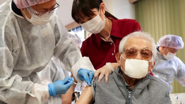 In Japan werden erst jetzt die Ältesten geimpft