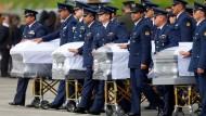 Opfer des Flugzeugabsturzes nach Brasilien gebracht