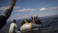 Flüchtlinge werden häufig nicht, wie es eigentlich vorgeschrieben ist, mit Fingerabdruck registriert, wenn sie auf einer der griechischen Inseln ankommen.
