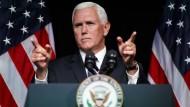 Der amerikanische Vize-Präsident Mike Pence kündigt bei einer Rede im Pentagon eine amerikanische Weltraum-Armee an.