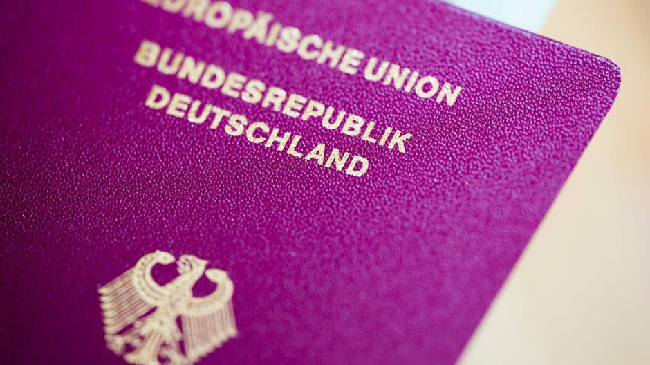 Schwer zu kriegen: Ein neuer Reisepass für den Sommerurlaub