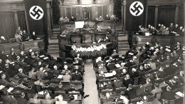 Fest an Hitlers Seite