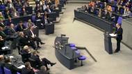 Der russische Präsident Wladimir Putin redet am Dienstag, den 25.09.2001, während einer Sondersitzung des Deutschen Bundestages.