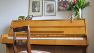 Hat schon aktivere Zeiten erlebt: Das Klavier aus Kindheitstagen.