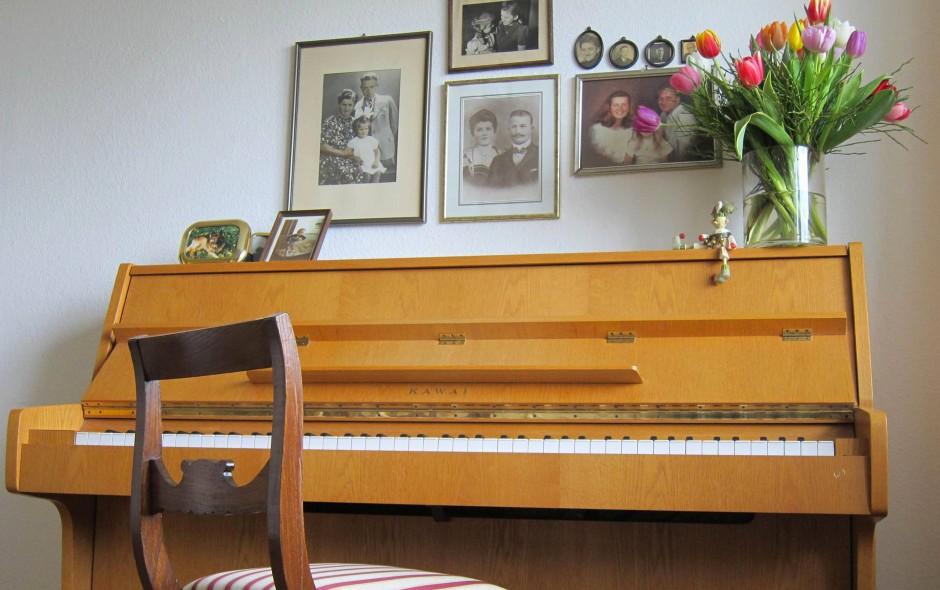 bild zu wohin mit dem alten klavier bild 1 von 1 faz. Black Bedroom Furniture Sets. Home Design Ideas
