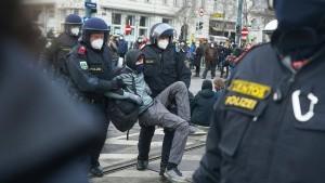 Zahlreiche Festnahmen bei Corona-Demonstration in Wien
