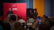 Der Juso-Bundesvorsitzende Kevin Kühnert spricht am Samstag auf dem Parteitag der SPD Sachsen-Anhalt in Wernigerode.