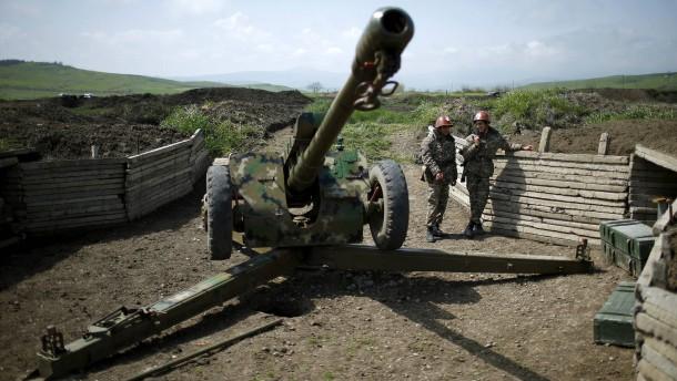 Feuerpause in Berg-Karabach ernsthaft verletzt