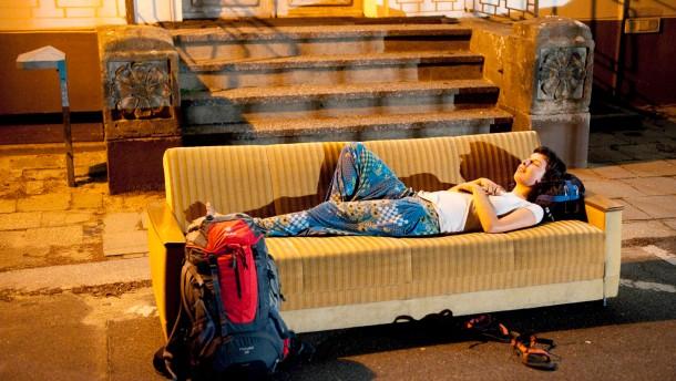 Couchsurfer tauschen ihr Sofa