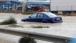 Unwetter in Spanien halten Rettungskräfte in Atem