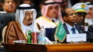 König Salman stimmt auf langen Krieg im Jemen ein