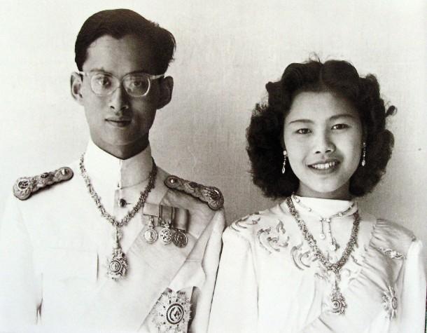 Sirikit tot königin König thailand