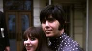 Der Tänzer, Sänger, Gitarrist und Choreograph wurde zusammen mit seiner Frau Esther in den sechziger Jahren international bekannt.