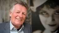Umgeben von Filmgeschichte: Ernst Szebedits leitet seit fünf Jahren die Wiesbadener Murnau-Stiftung.