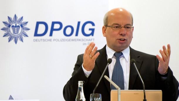 NRW bezahlt weitere Polizeigewerkschafter aus Steuergeldern