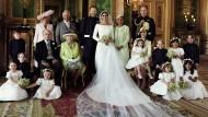 Glücklich bis ins letzte Detail: Das offizielle Hochzeitsfoto aus Windsor.