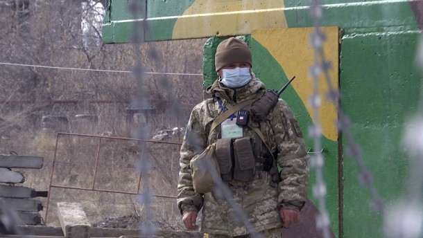 Wie Corona als Vorwand dient, die OSZE-Beobachter zu behindern