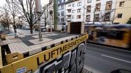 Nach ihren Daten ist die Luft über Frankfurt zu schmutzig: Messstation an der Friedberger Landstraße.