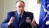 Nato-Oberbefehlshaber Philip M. Breedlove: Antworten in der Auseinandersetzung mit Moskau