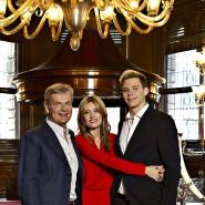 Die älteste Waffenschmiede Europas ist ein Familienbetrieb: Umberta Gnutti Beretta mit ihrem Ehemann Franco und dem gemeinsamen Sohn Carlo.