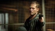 Til Schweiger findet, der Held im Film darf nicht sterben. Alle anderen Figuren aber schon, wie er als Nick Tschiller im Tatort nur allzu gerne beweist.