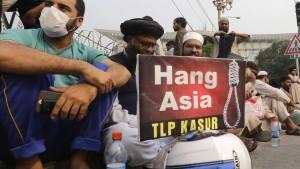 Islamisten fordern Tod der Richter in Pakistan