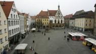 Blick auf den Marktplatz von Amberg: Vier junge Asylbewerber sollen in der bayerischen Stadt Passanten angegriffen und verletzt haben.