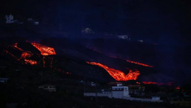 Lava verschlingt ganze Landstriche