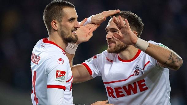 Köln bleibt dem HSV dicht auf den Fersen