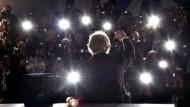 Im Rampenlicht: Ken Loach nach der Preisverleihung in Cannes.