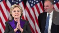 Optimistisch nach vorne schauen: Wie kann Hillary Clinton das in diesem Moment?
