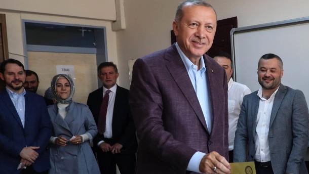Erdogan gratuliert Imamoglu zum Wahlsieg in Istanbul