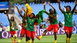 Kamerun im Achtelfinale – Niederlande Gruppensieger