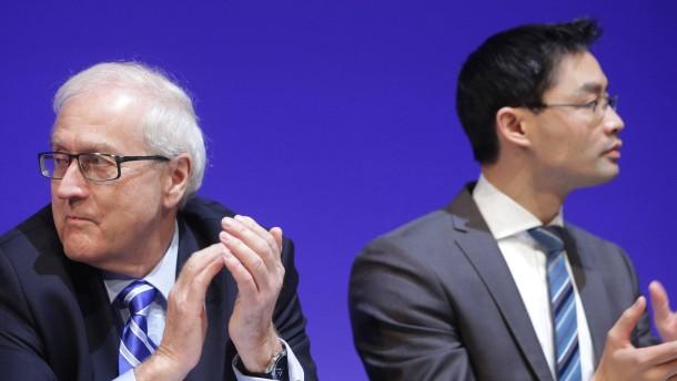 Rösler bleibt FDP-Chef