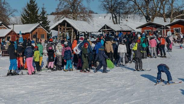 Ausgelassene Feiern in Skigebiet Sakopane