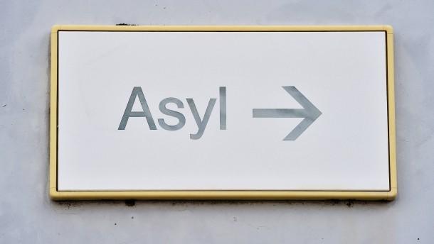 Mehr Menschen suchen Asyl in Europa