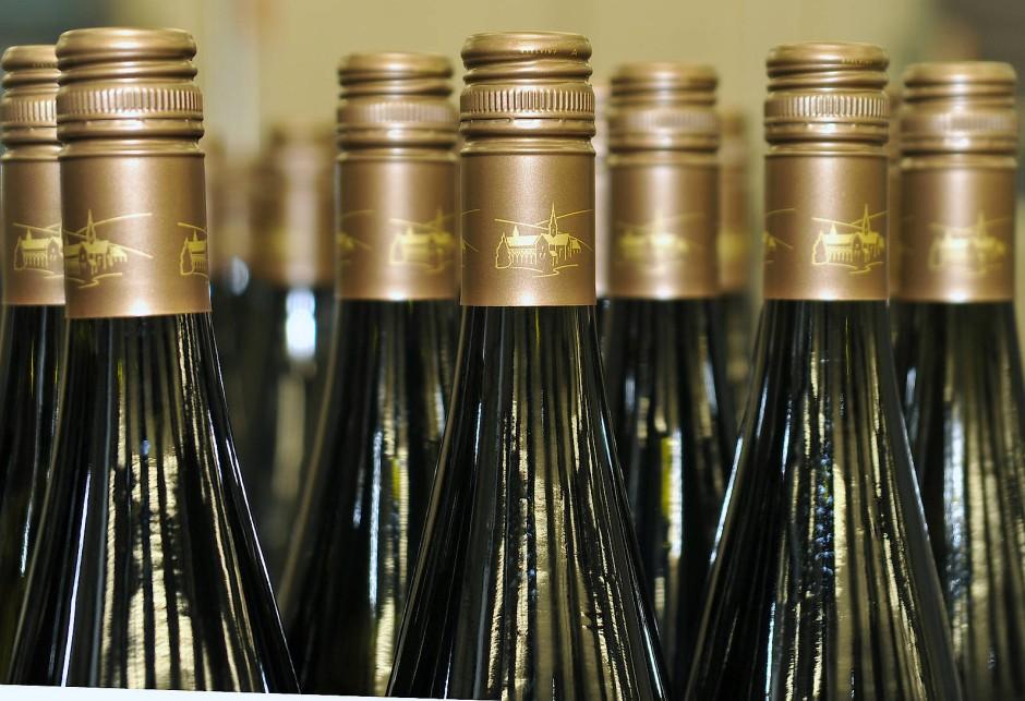 Weine mit Schraubverschlüssen: Das Deutsche Weininstitut schätzt, dass inzwischen sechzig Prozent der Weine verschraubt und nur noch zwanzig Prozent verkorkt werden.
