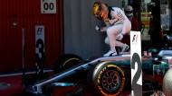 """Der Sieger Lewis Hamilton: """"So muss dieser Sport sein, hart, umkämpft – genau deshalb habe ich einmal mit dem Racing begonnen."""""""
