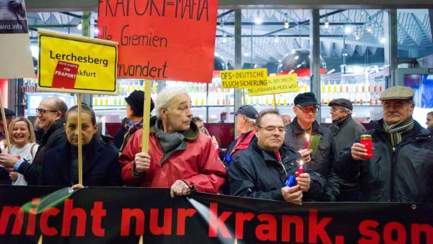 Montagsdemonstration - Zum letzten Mal in diesem Jahr wird am Frankfurter Flughafen gegen den Fluglärm demonstriert.