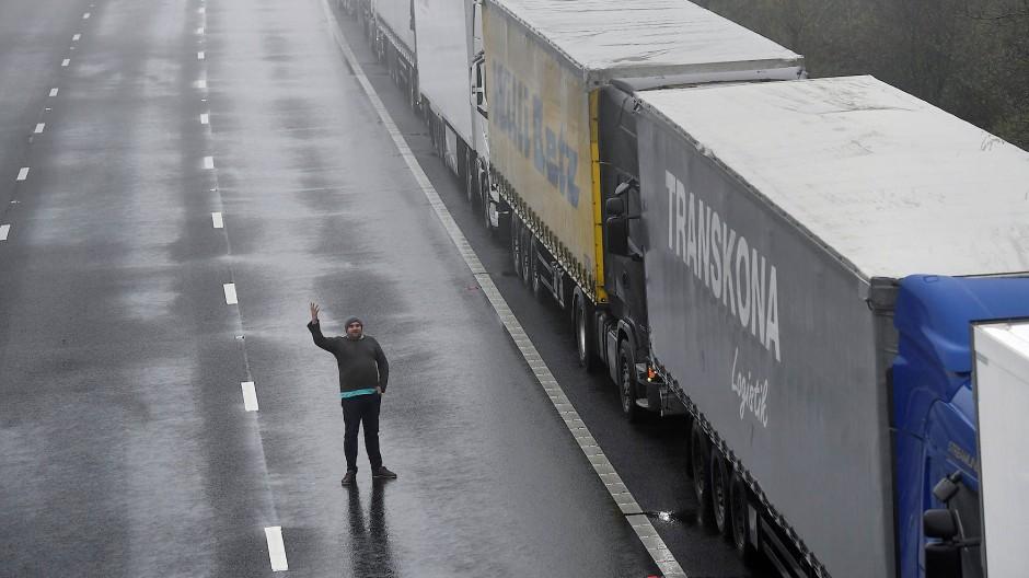 Nichts geht mehr: der Eurotunnel in Dover am Montag