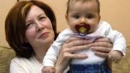 Politiker werfen Vierlings-Mutter Fahrlässigkeit vor